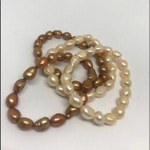 Set of 4 fresh water pearl bracelets